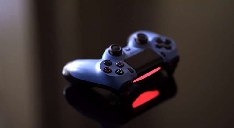 ps4 controller grey red